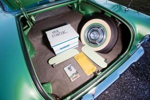 1958 Pontiac Bonneville Sport Coupe 23