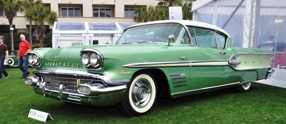 1958 Pontiac Bonneville Sport Coupe 36