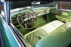 1958 Pontiac Bonneville Sport Coupe 4
