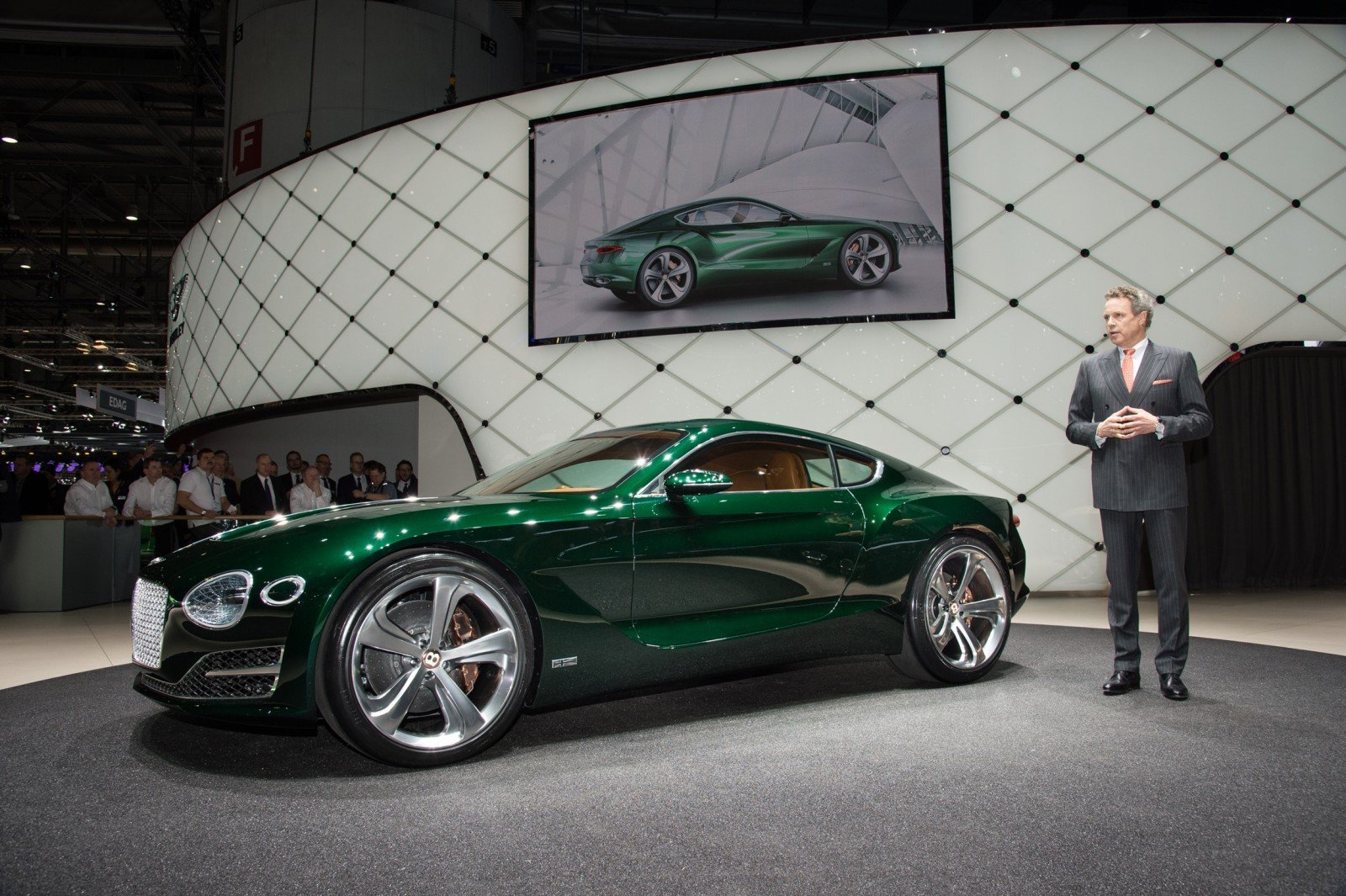 2015 Bentley EXP10 Speed6 Concept 14