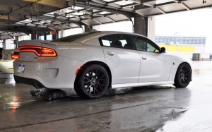 2015 Dodge Charger SRT HELLCAT Review 18