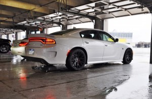 2015 Dodge Charger SRT HELLCAT Review 19