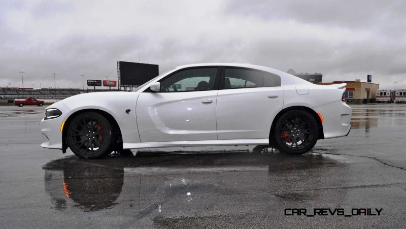2015 Dodge Charger SRT HELLCAT Review 24