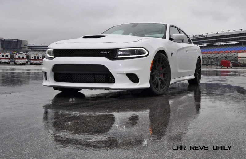 2015 Dodge Charger SRT HELLCAT Review 33