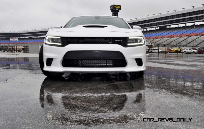 2015 Dodge Charger SRT HELLCAT Review 36