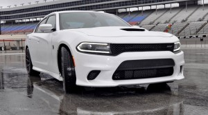 2015 Dodge Charger SRT HELLCAT Review 40