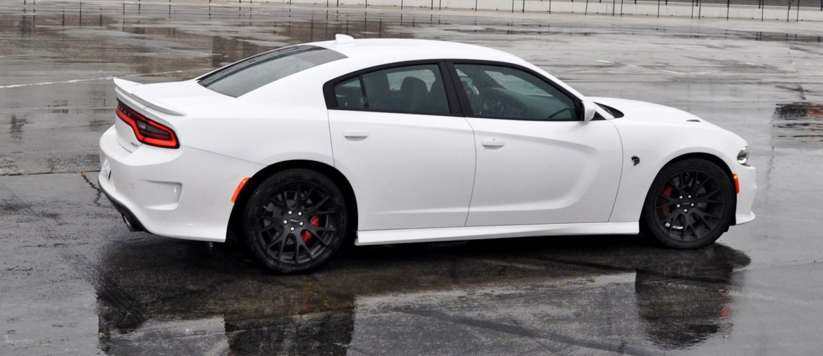 2015 Dodge Charger SRT HELLCAT Review 55