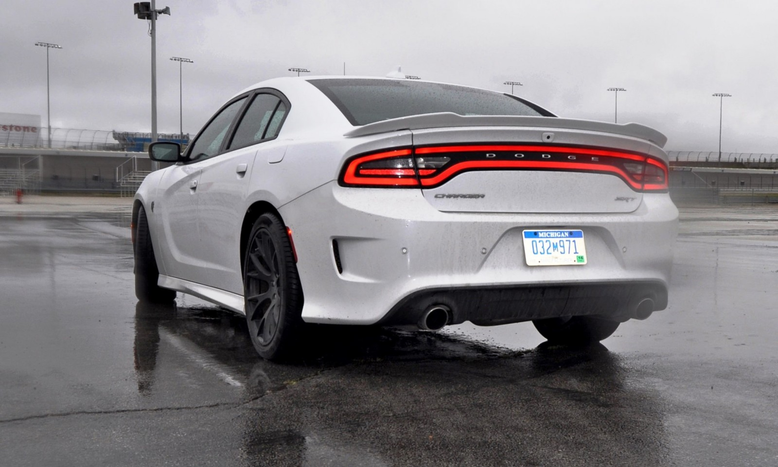 Elegant 2015 Dodge Charger SRT HELLCAT Review