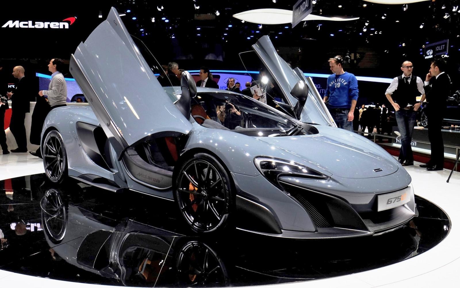 2015 McLaren 675LT 1