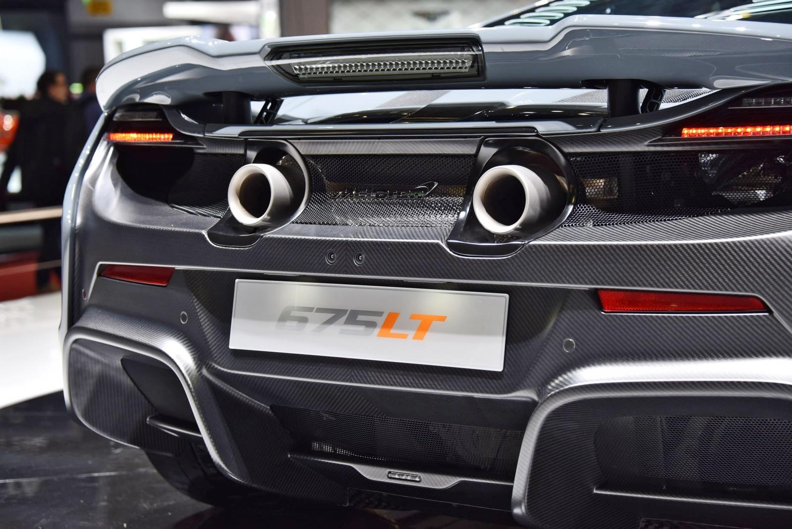 2015 McLaren 675LT 20