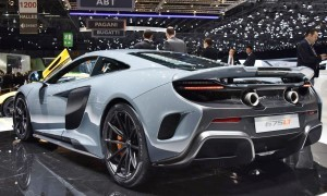 2015 McLaren 675LT 23