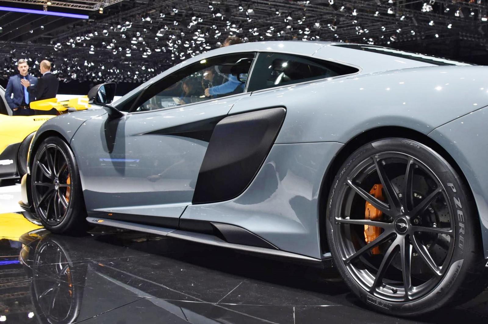 2015 McLaren 675LT 41