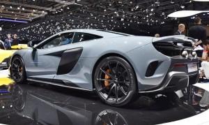 2015 McLaren 675LT 42