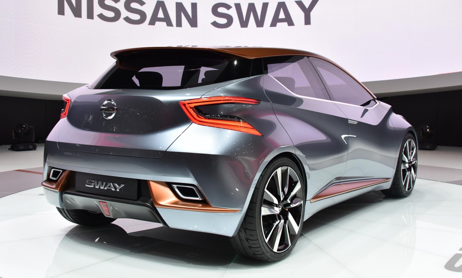 2015 Nissan SWAY Concept 35
