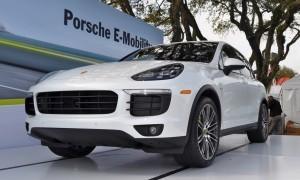 2015 Porsche Cayenne S E-Hybrid 22