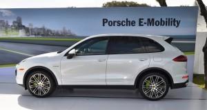 2015 Porsche Cayenne S E-Hybrid 38