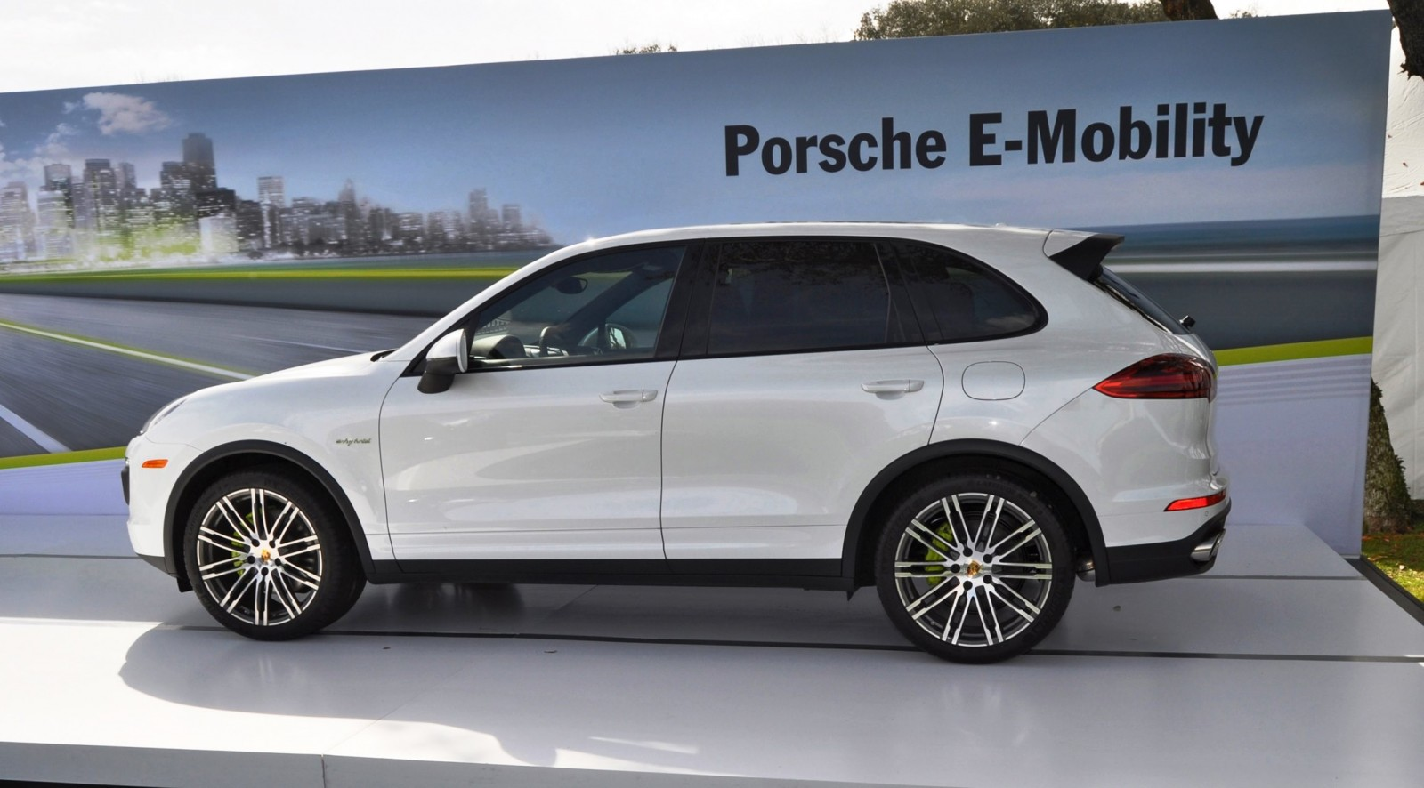 2015 porsche cayenne s e hybrid. Black Bedroom Furniture Sets. Home Design Ideas
