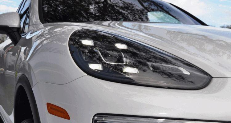 2015 Porsche Cayenne S E-Hybrid led hadligt