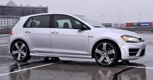 2015 Volkswagen Golf R Review 15