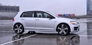 2015 Volkswagen Golf R Review 16