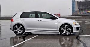 2015 Volkswagen Golf R Review 17