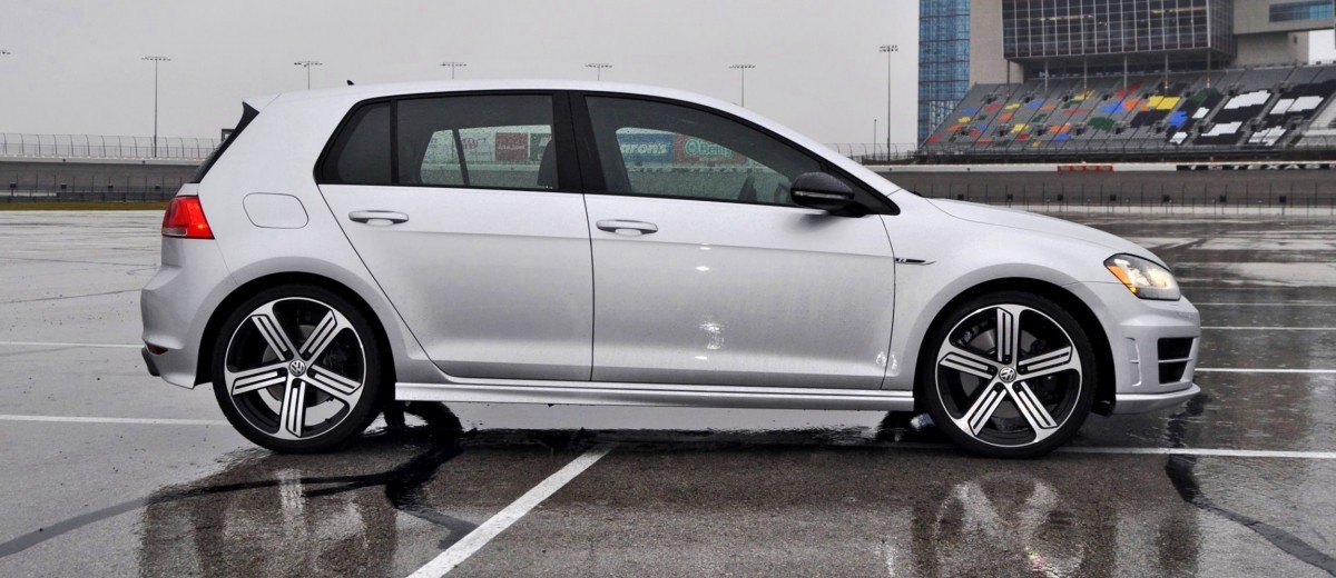 2015 Volkswagen Golf R Review 18