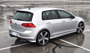 2015 Volkswagen Golf R Review 21