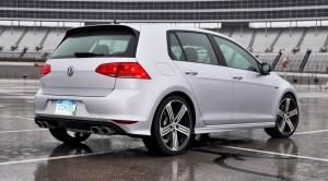 2015 Volkswagen Golf R Review 22