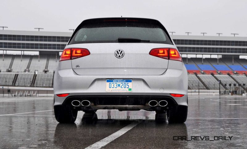 2015 Volkswagen Golf R Review 27