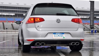 2015 Volkswagen Golf R Review 29