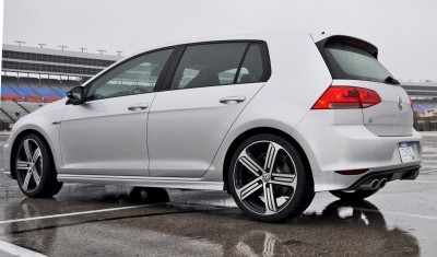 2015 Volkswagen Golf R Review 32