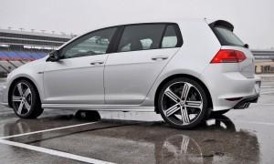 2015 Volkswagen Golf R Review 33