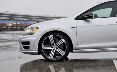2015 Volkswagen Golf R Review 34