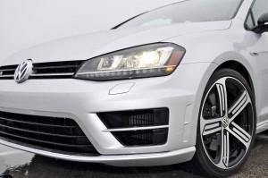 2015 Volkswagen Golf R Review 35