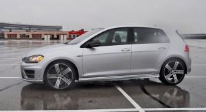 2015 Volkswagen Golf R Review 60