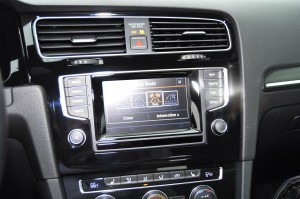2015 Volkswagen Golf R Review 69