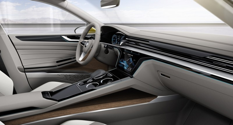 2015 Volkswagen Sport Coupe Concept GTE 17