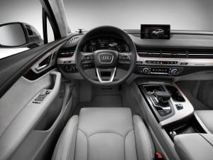 Die Fahrerassistenzsysteme im neuen Audi Q7: Ein Angebot, das neue Massstaebe setzt/Ingolstadt, 08