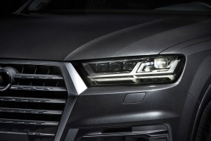 2016 Audi Q7 e-tron 9