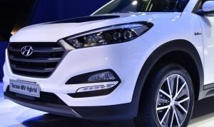 2016 Hyundai Tucson 48-Volt PHEV 2