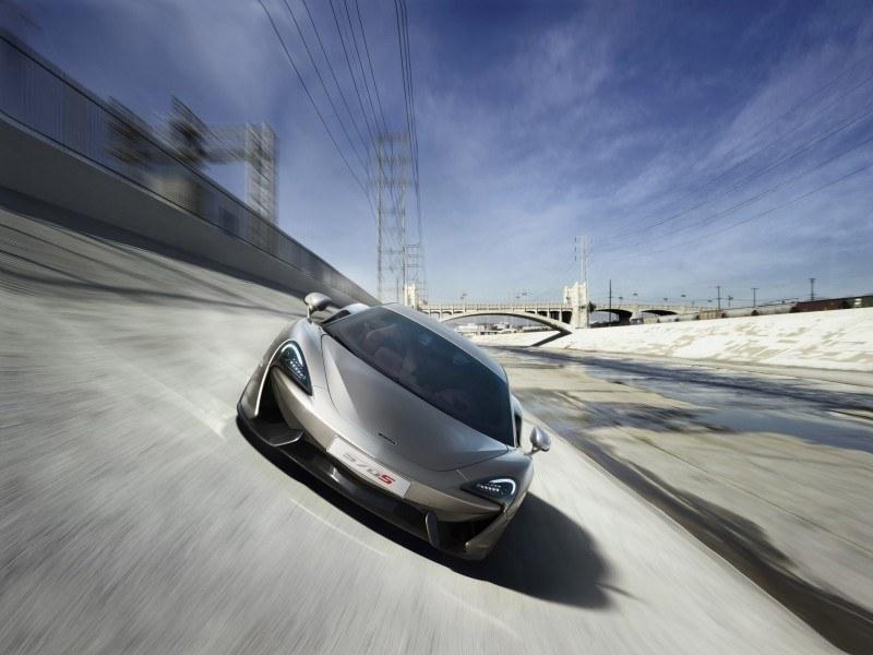 2016 McLaren 570S 42