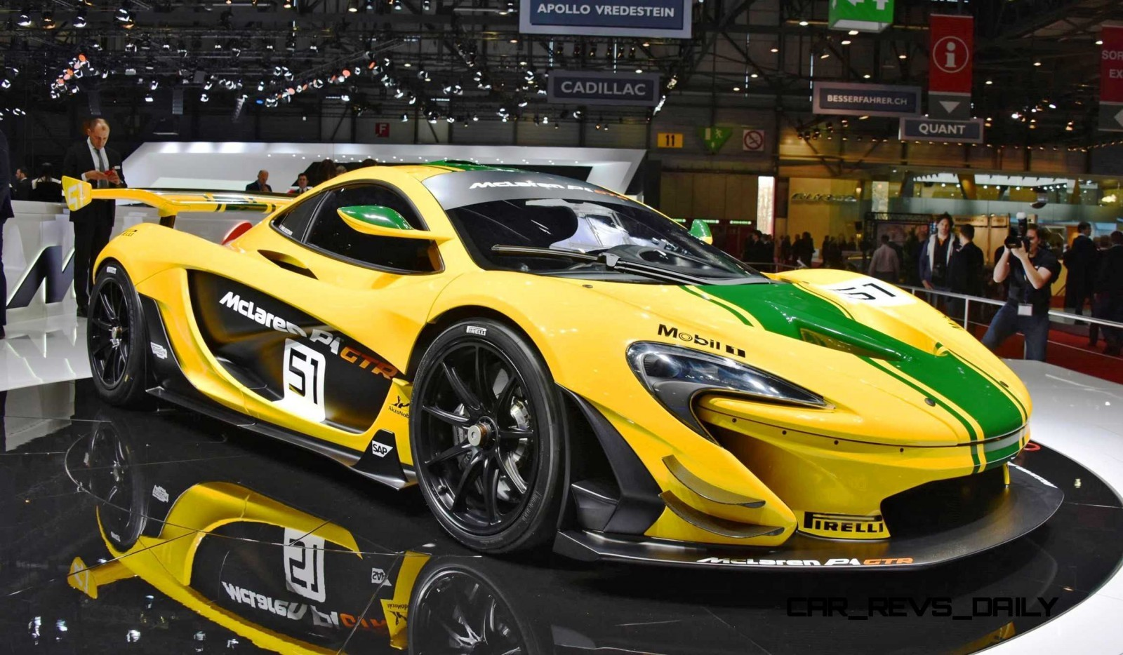2016 mclaren p1 gtr meets 1997 mclaren f1 gt longtail in geneva. Black Bedroom Furniture Sets. Home Design Ideas