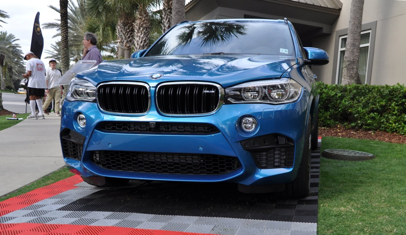 amelia island 2015 bmw brings 507 m1 csl and targa tii to join 2015 x5 m and new 650i m sport. Black Bedroom Furniture Sets. Home Design Ideas