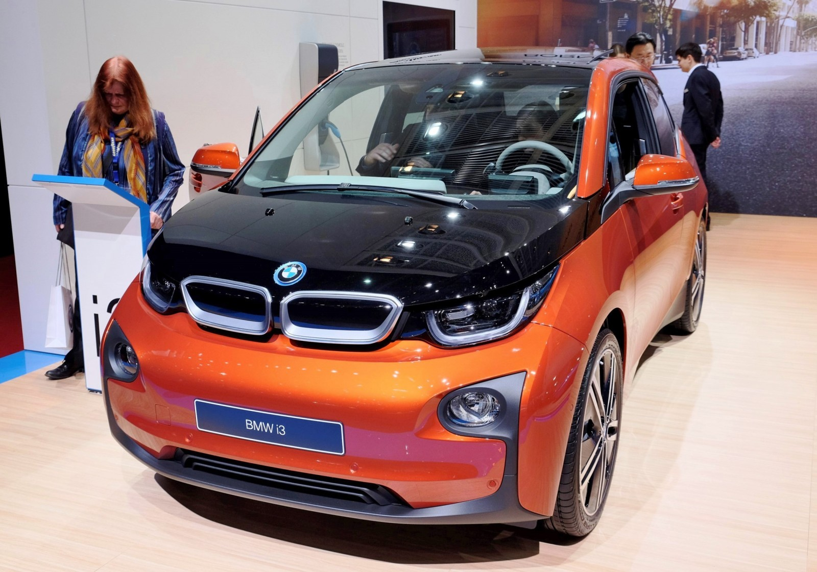 Geneva 2015 Gallery - BMW Stand In 40 Photos 13