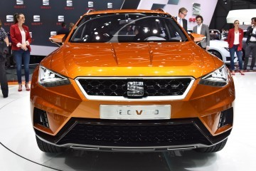Geneva 2015 Showfloor – SEAT Builds Buzz With 20V20 Concept and Production Leon ST CUPRA 280 Trio