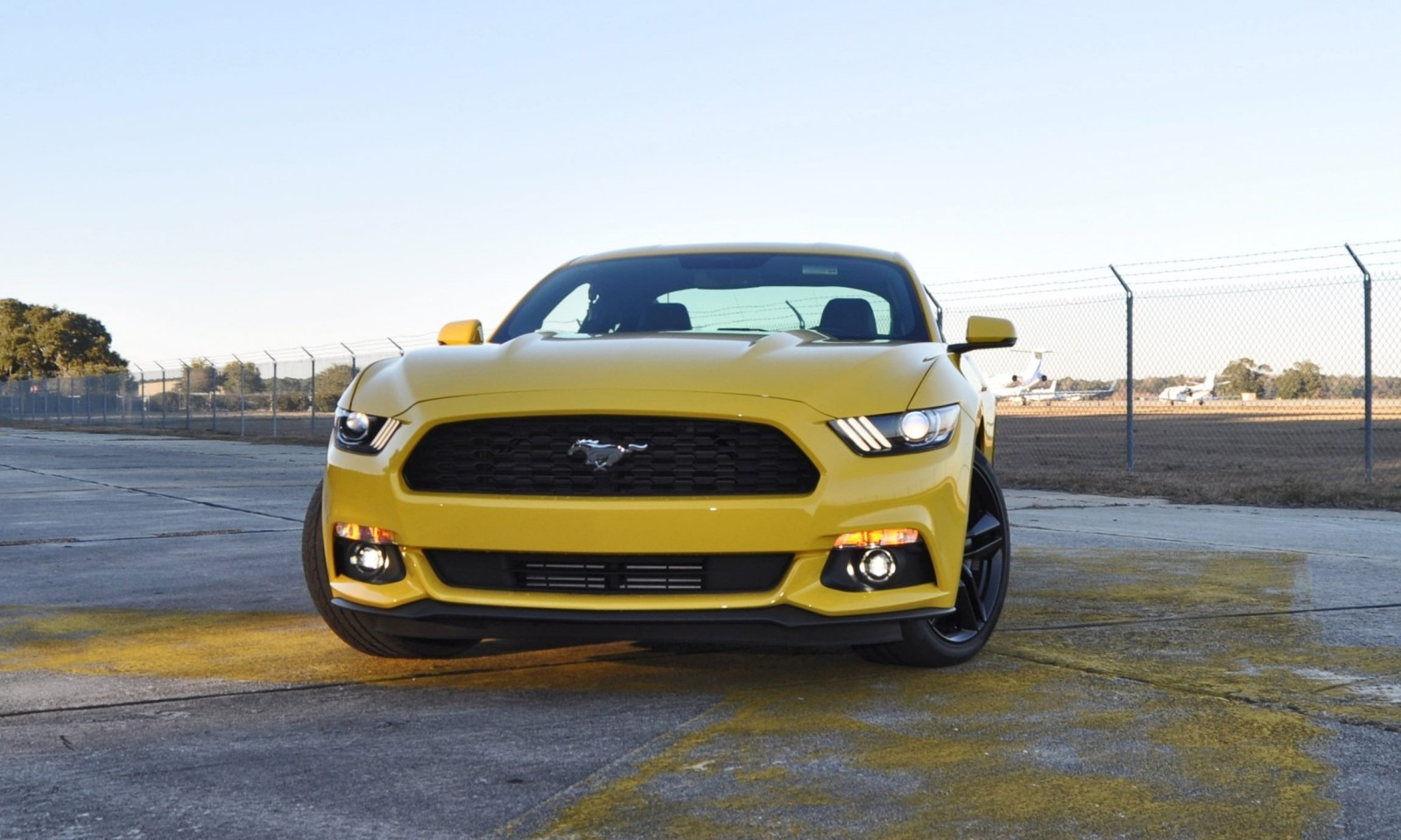 hd road test review 2015 ford mustang ecoboost in triple yellow with performance pack 105. Black Bedroom Furniture Sets. Home Design Ideas