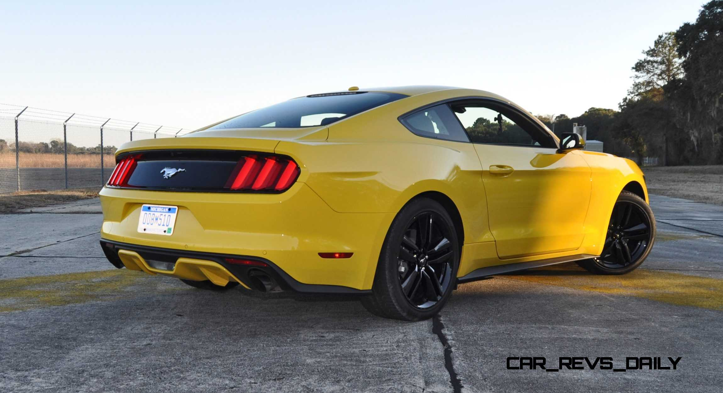 hd road test review 2015 ford mustang ecoboost in triple yellow with performance pack 136. Black Bedroom Furniture Sets. Home Design Ideas