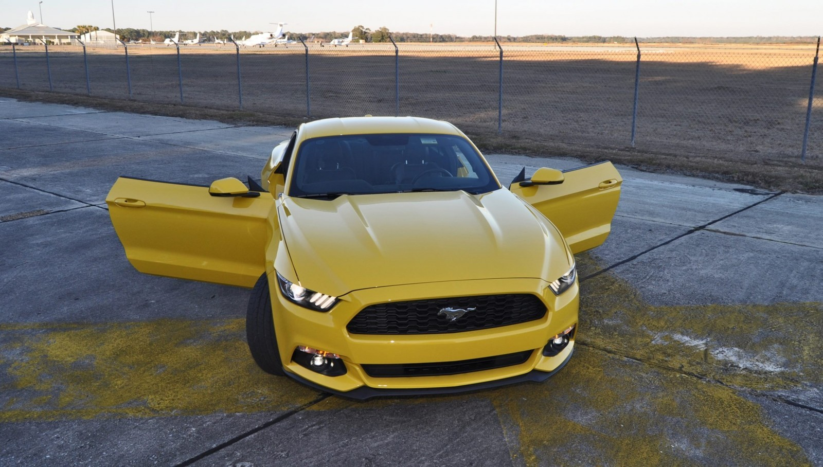 hd road test review 2015 ford mustang ecoboost in triple yellow with performance pack 193. Black Bedroom Furniture Sets. Home Design Ideas