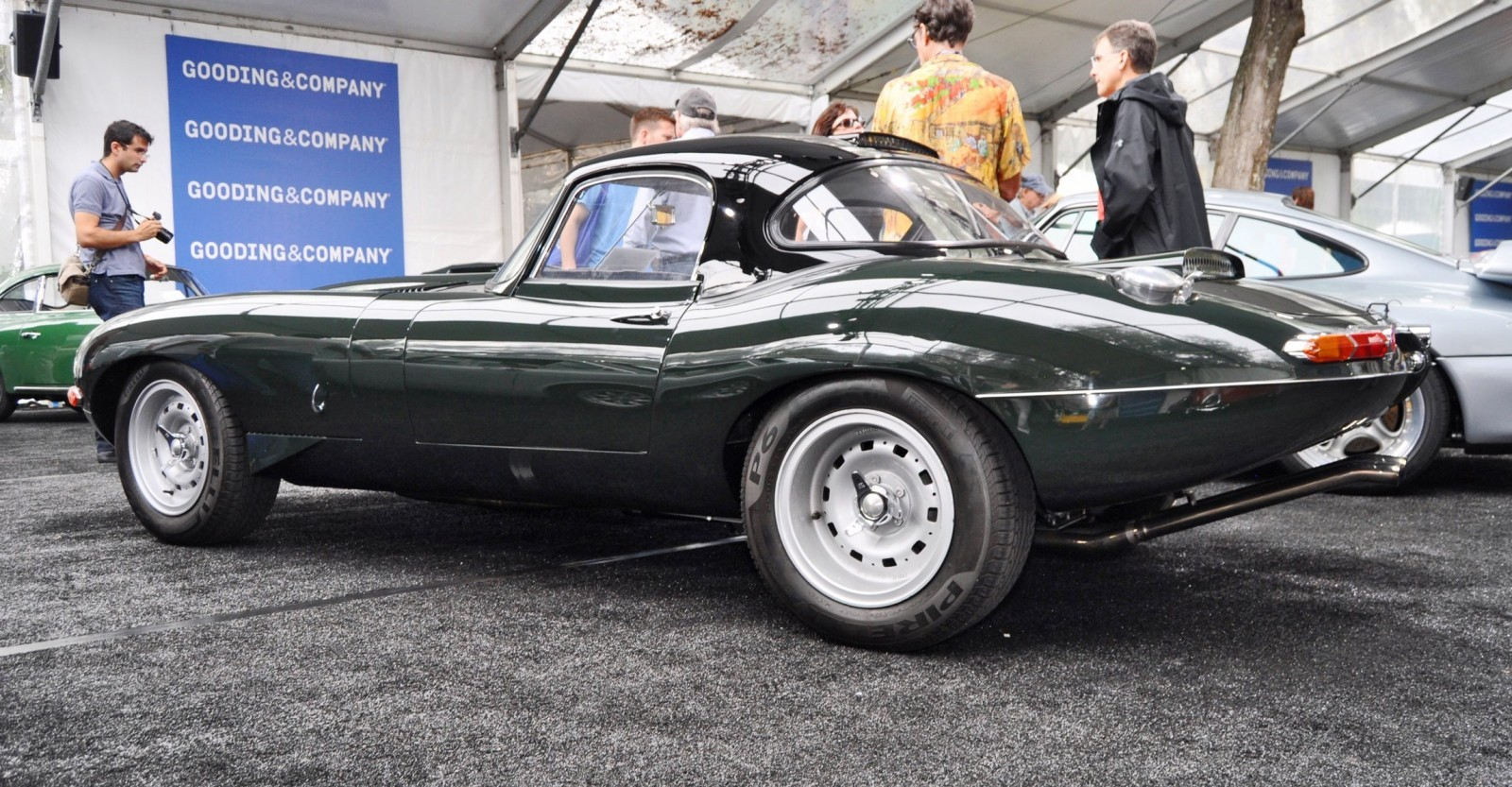 Une jaguar sachant freiner... - Page 6 1961-Jaguar-E-Type-Series-I-Lightweight-Replica-7-1600x833