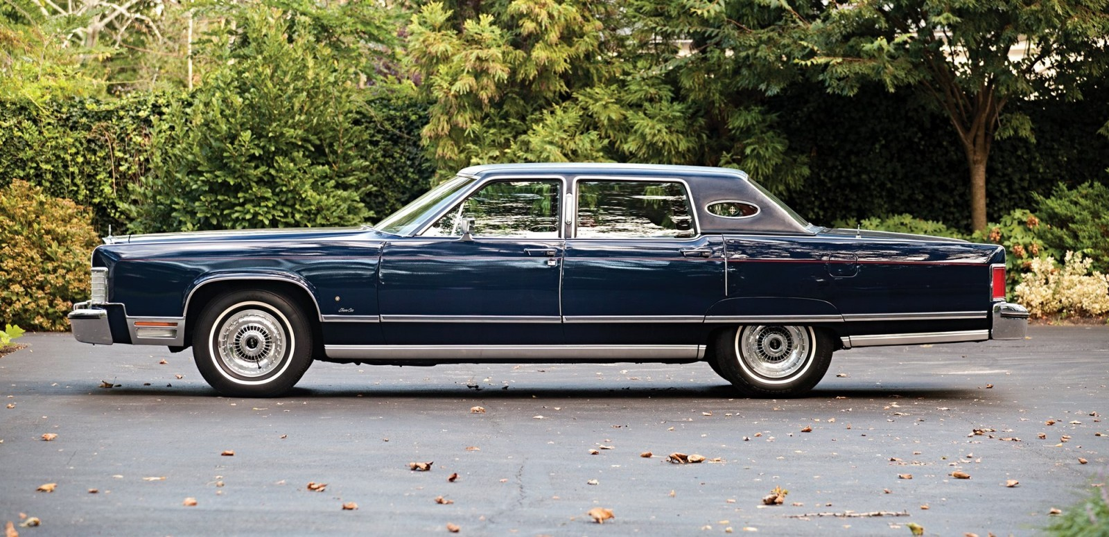 1975 Lincoln Continental Town Coupe Pictures to pin on Pinterest
